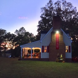 Stayin Alive  Virginia Operas Alternate Fall Voce e Vino at SummerWind Vineyard