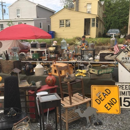 Smithfields monthly Pickers Market