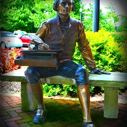 Lifesize George Lundeen bronze sculpture of Thomas Jefferson